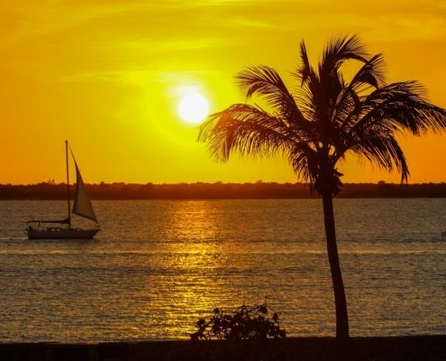 vacanze in barca a vela ai caraibi tramonto