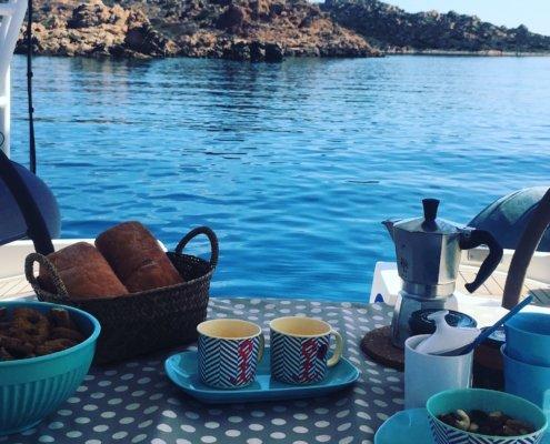 vacanze in barca a vela con skipper in Sardegna del nord vita di bordo