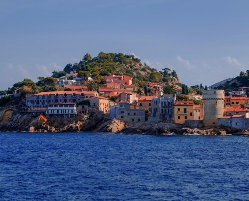 vacanze in barca a vela corsica e toscana con skipper isola elba
