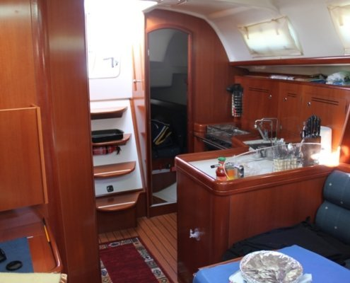 barche a noleggio senza skipper beneteau 343 interni
