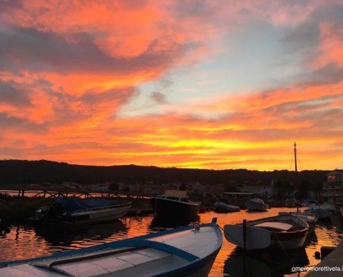 vacanze in barca a vela con skipper Sardegna tramonto a Carloforte